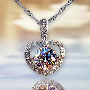 Solpresa Heart Shaped Valentine's Day Diamond Necklace